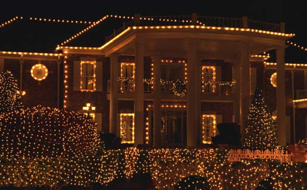 holiday lighting in dallas texas and plano by mercedes' landscape services